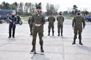 Pułkownik Szczepan Głuszczak otwiera Rajd Weteranów 2021. Fot. 1WBPanc