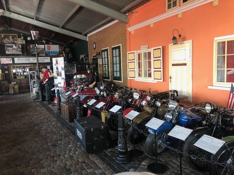 Ekspozycja Gdyńskiego Muzeum Motoryzacji