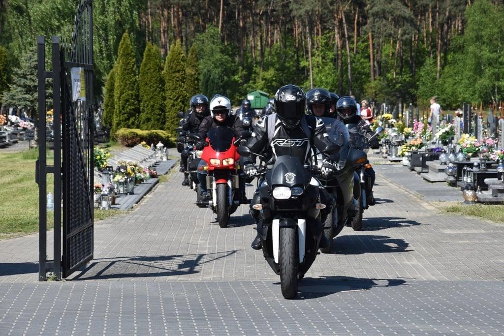 Rajd Weteranów na cmentarzu