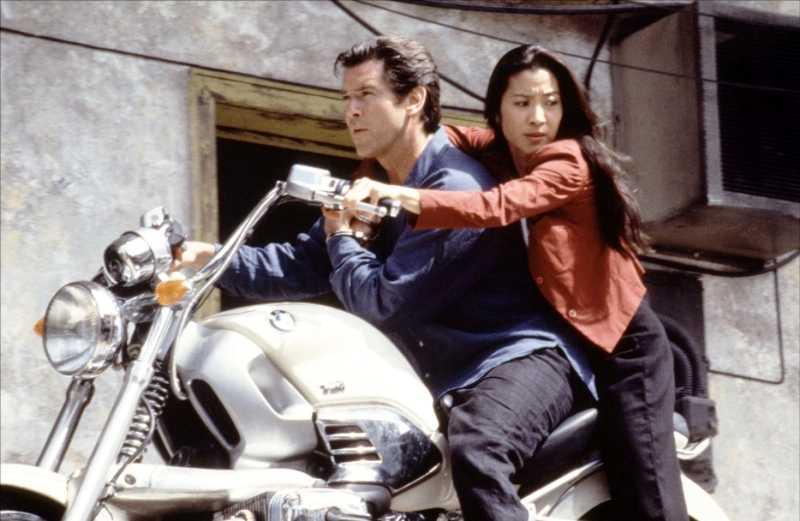 James Bond na motocyklu BMW