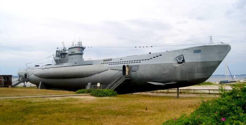 Niemiecka łódź podwodna U-995